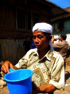 Penampakan susu kuda liar oleh penduduk asli Desa Palama